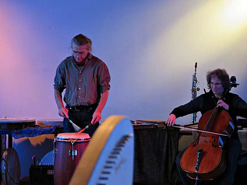impro-cello-besenconga.jpg